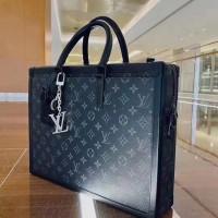 Сумка Louis Vuitton с логотипом черная