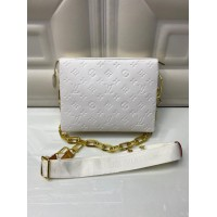 Сумка Louis Vuitton Coussin Pm белая