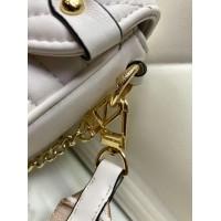 Сумка Louis Vuitton Pochette metis белая
