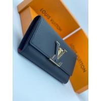 Кошелек Louis Vuitton CAPUCINES кожаный черный