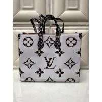 Сумка Onthego Louis Vuitton белая