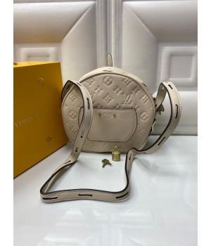 Сумка Louis Vuitton Petite Boite Chapeau белая