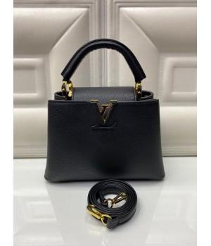 Сумка Louis Vuitton Capucines черная