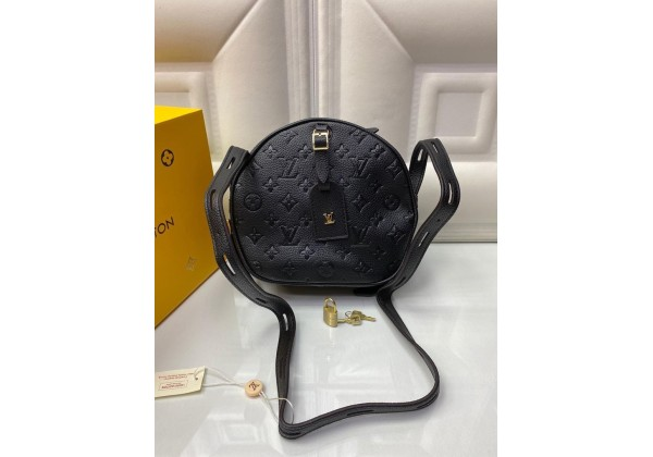 Сумка Louis Vuitton Petite Boite Chapeau черная