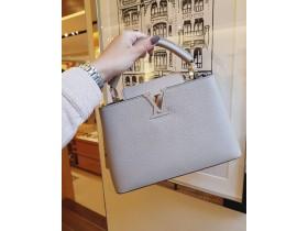 Сумка Capucines от Louis Vuitton
